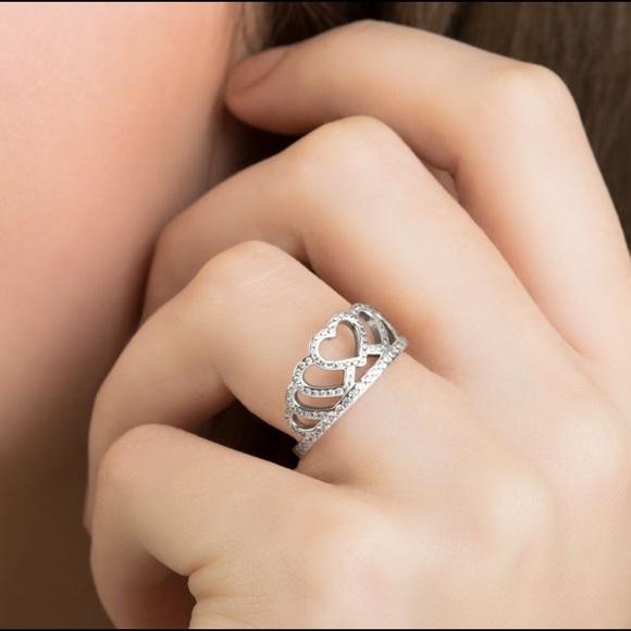 2d88d79d279 Pandora Hearts Tiara Ring Size 7. M_5c55c8b7194dadb05f1c2353